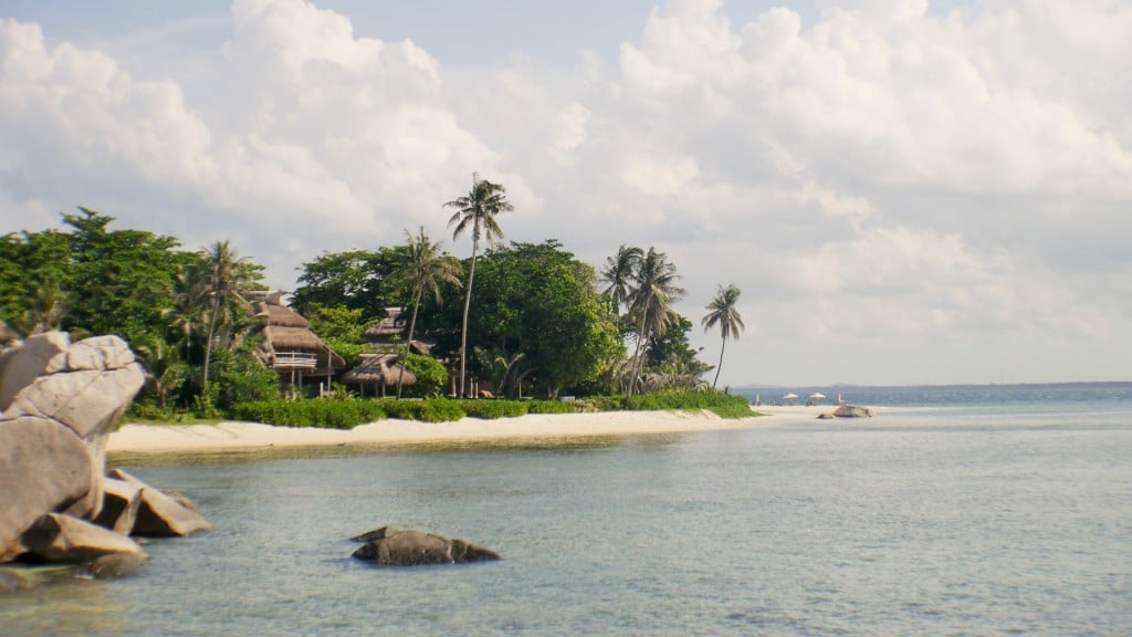Arrival at Nikoi Island
