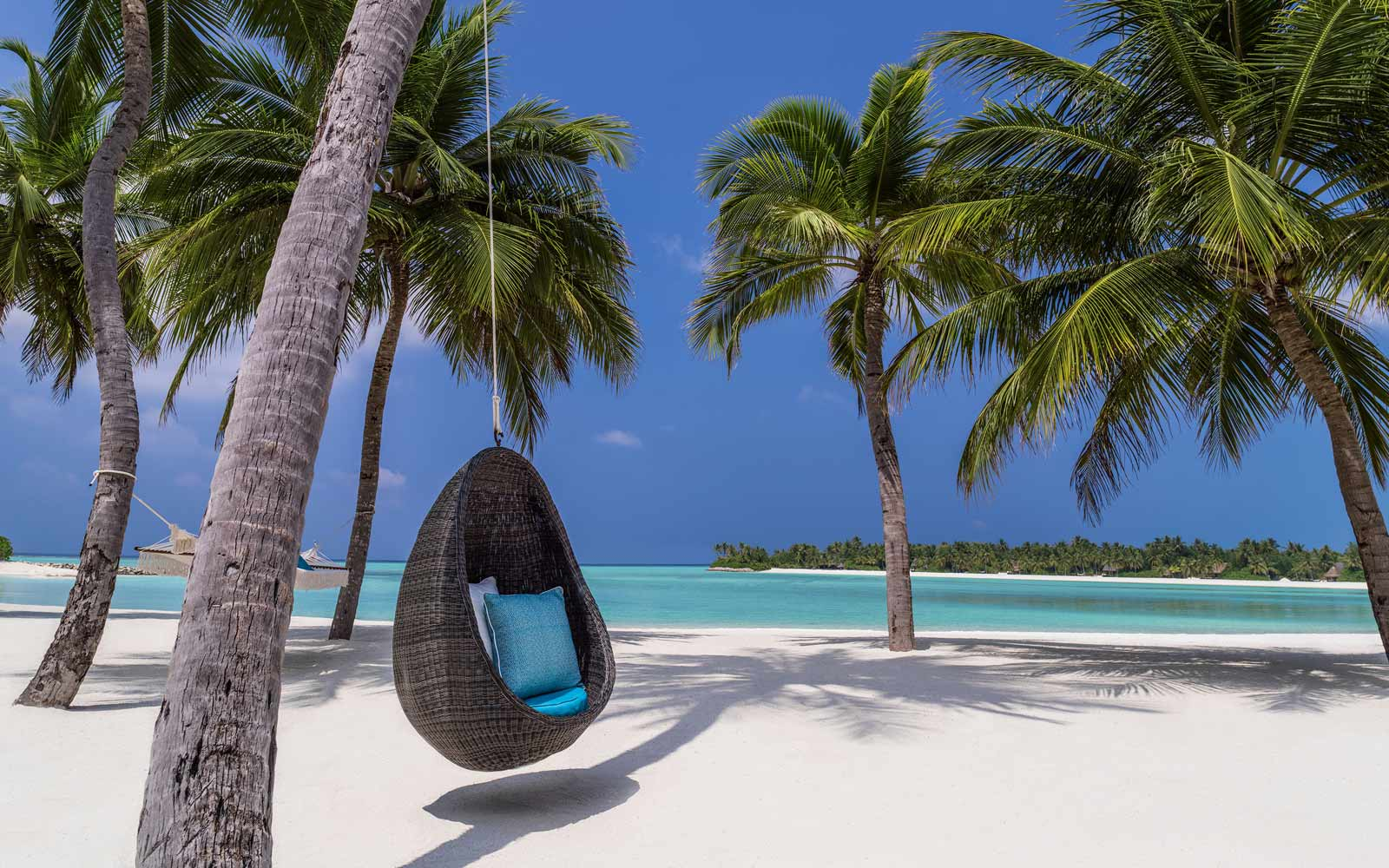 One and Only Reethi Rah swing chair