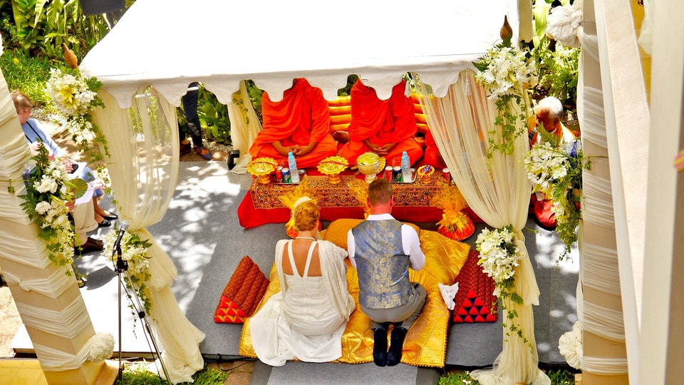 """Destination wedding Angkor Wat"""