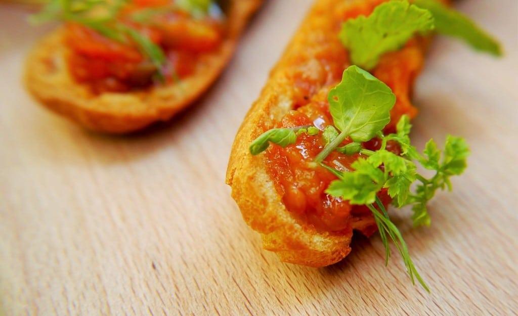 Escalaivada Monvinic Proximity food