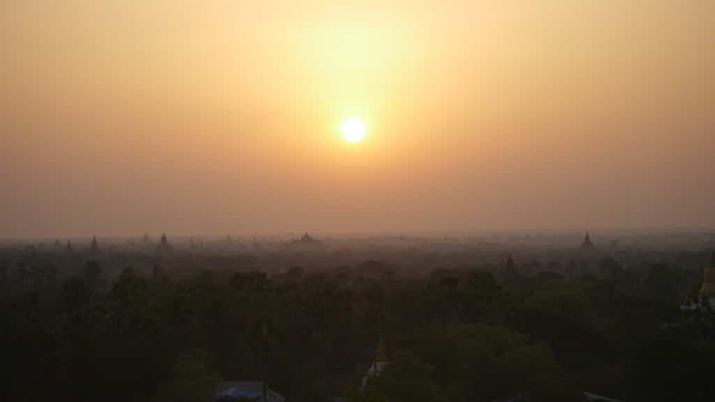 Sunrise over Bagan Getting lost in Bagan