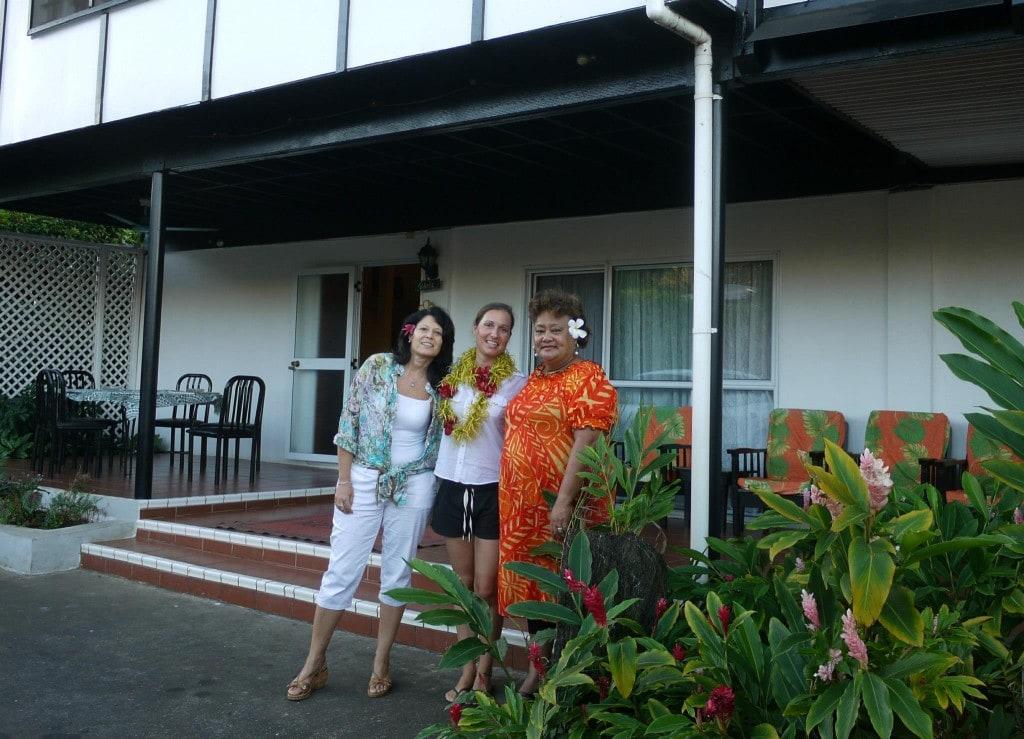 Solo travel in Samoa with Aniva and Doriana