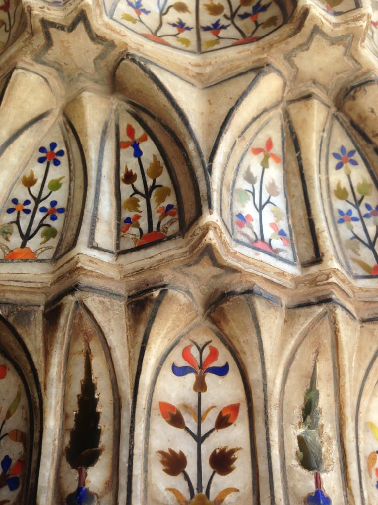Visit Lahore to see the precious stone inlay