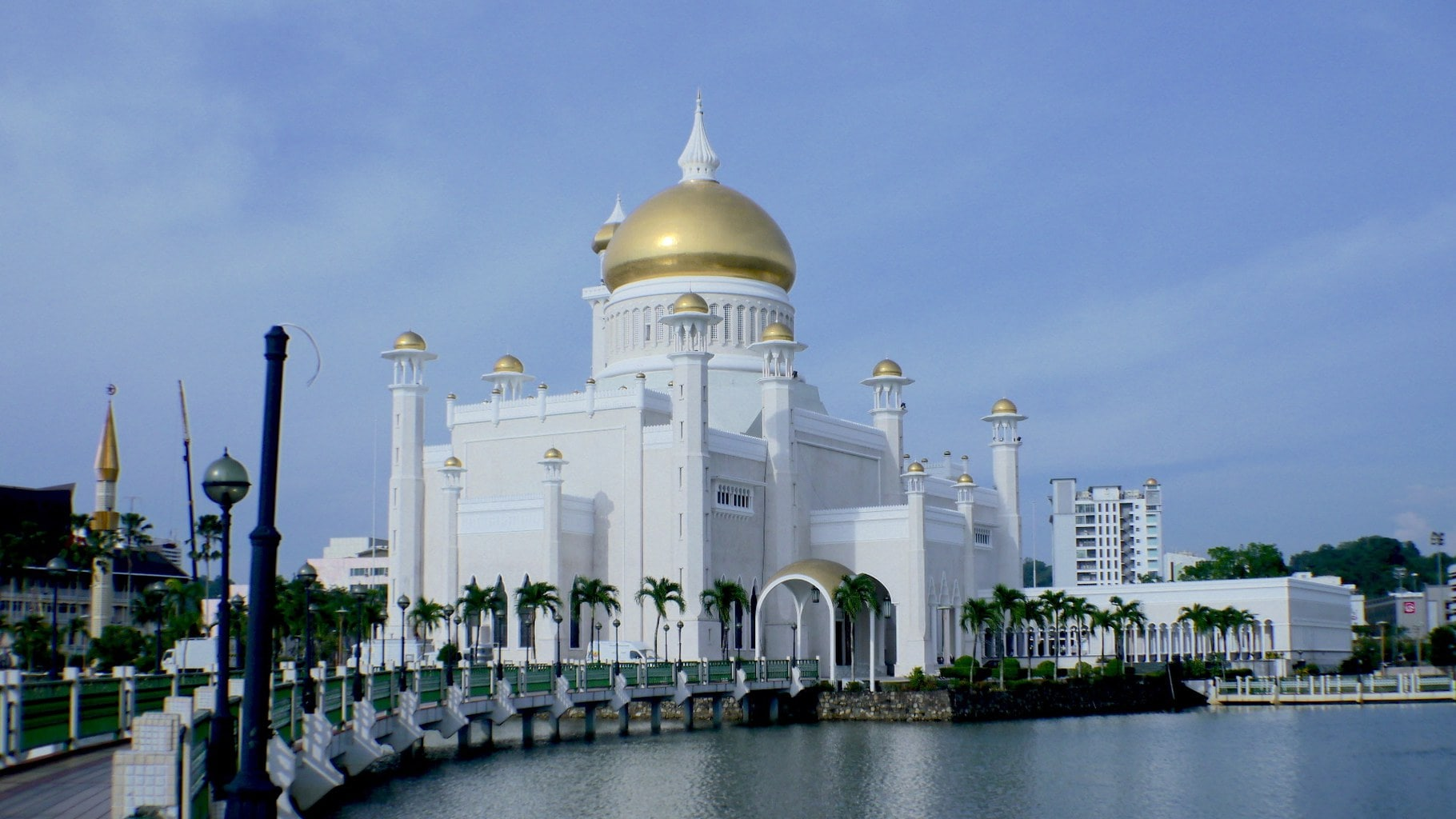 Travel to Brunei: tips and interesting facts