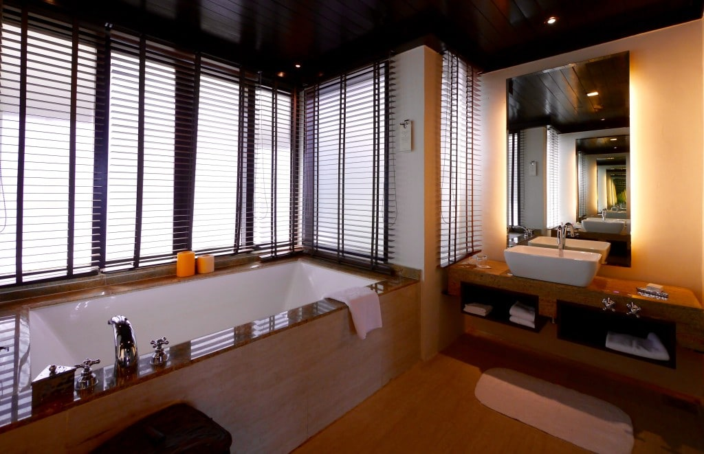 Gaya Island Resort suite bathroom