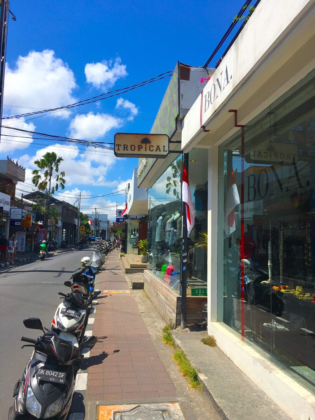 Endless rows of stores in Seminyak