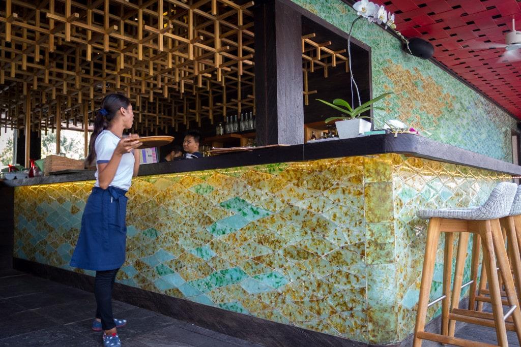 Chapung Se Bali pool bar