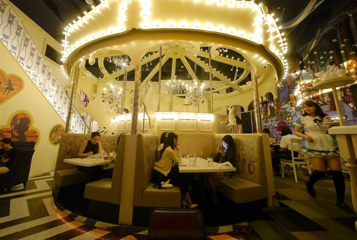 Alice in wonderland cafe