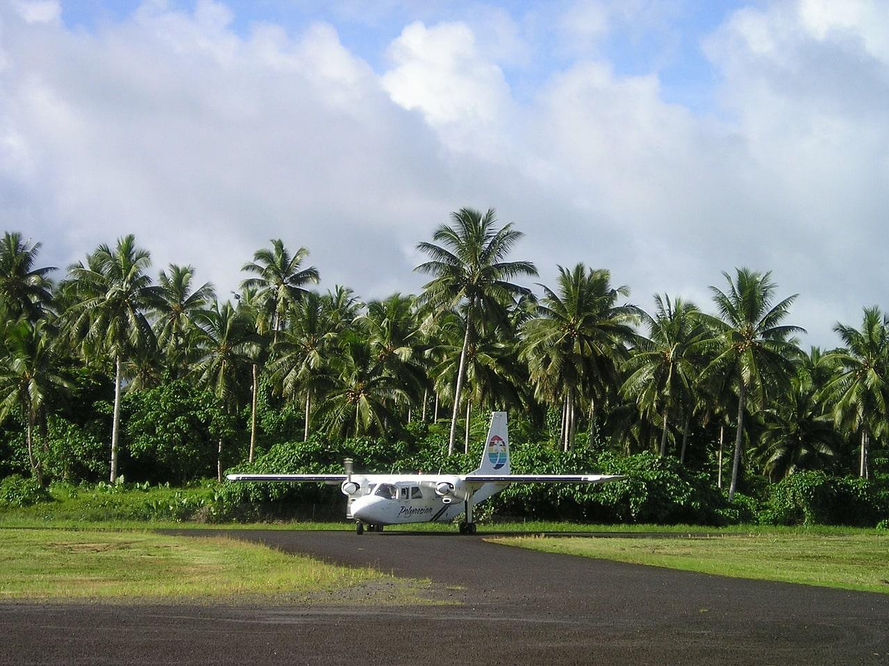 """""""Polynesian Air propeller plane"""""""