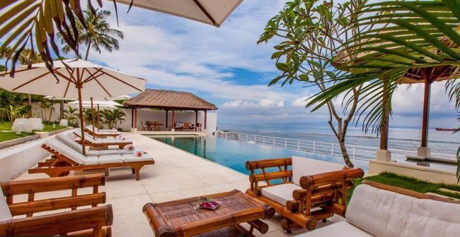 Villa Lucia pool view