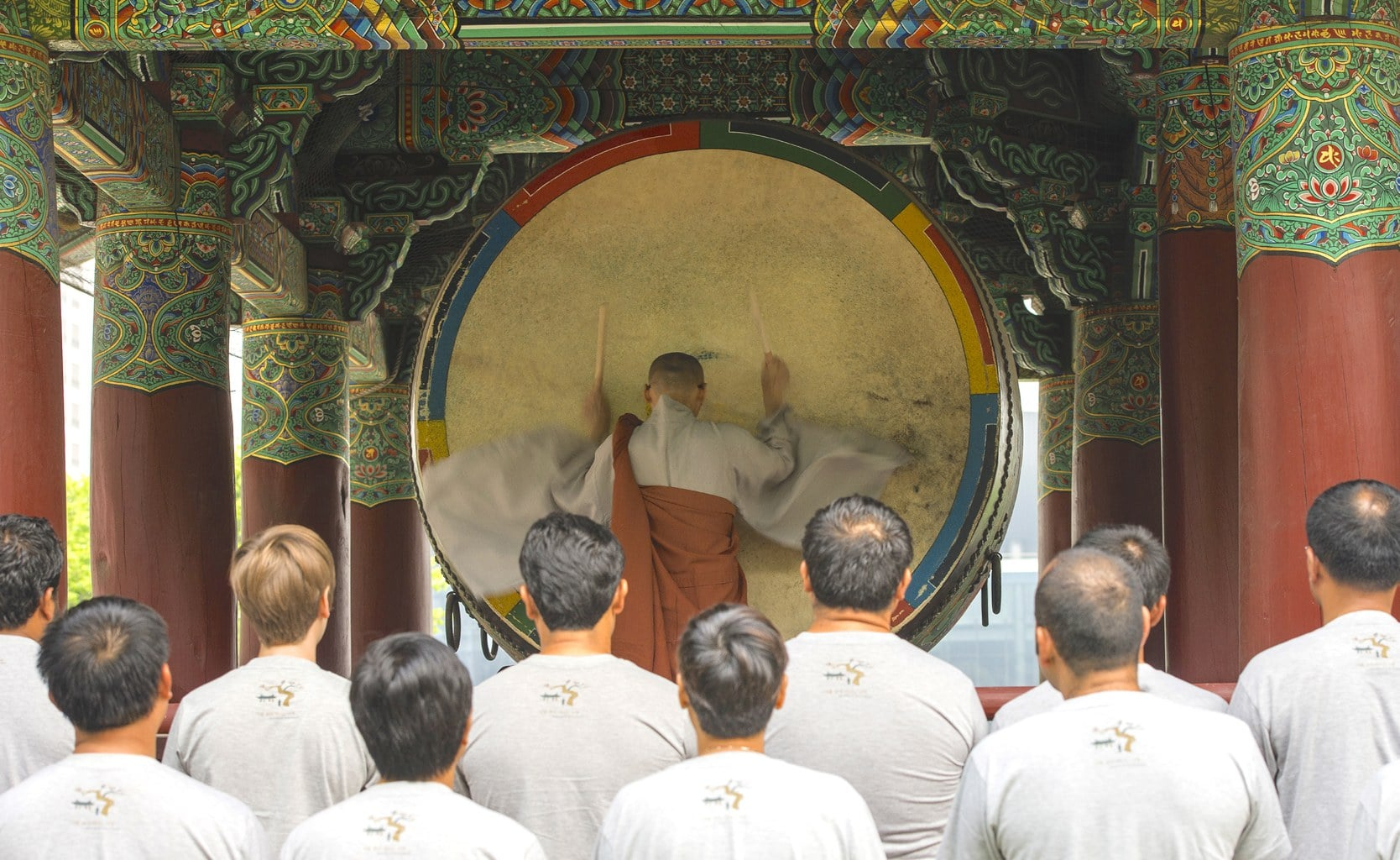 Monk and temple-stay participants at Bonguensa Temple