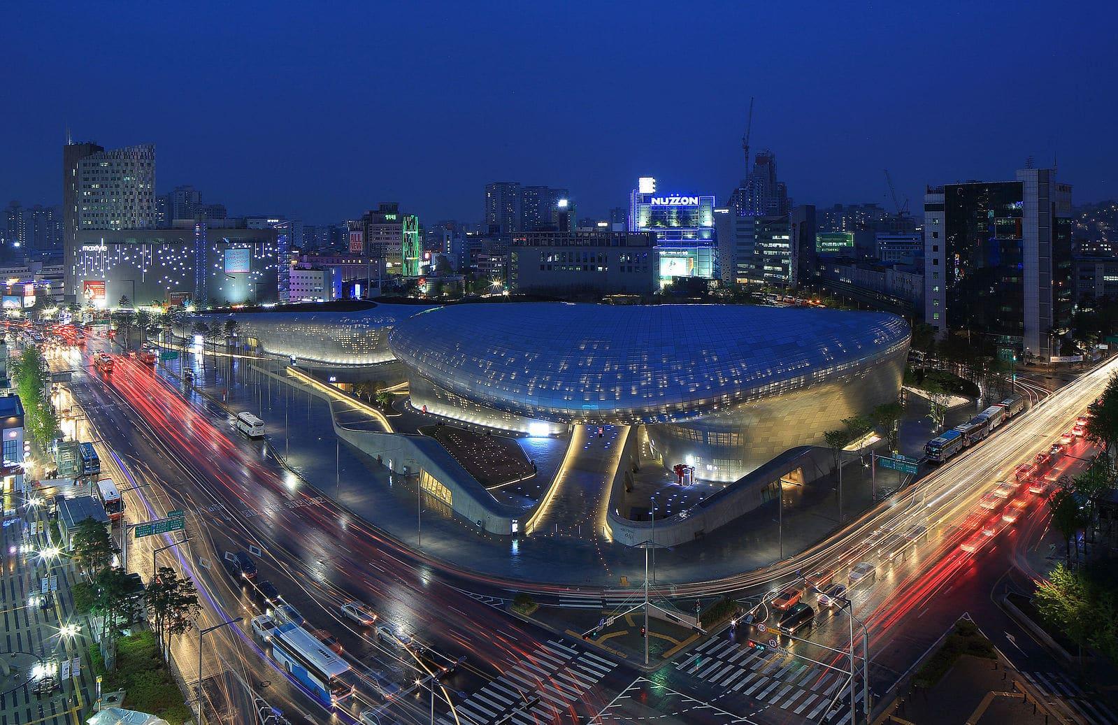 The always bustling nightlife of Dongdaemun
