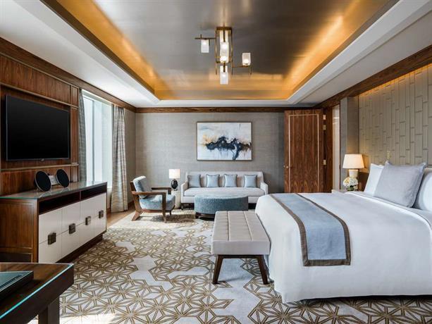 St Regis Cotai suite