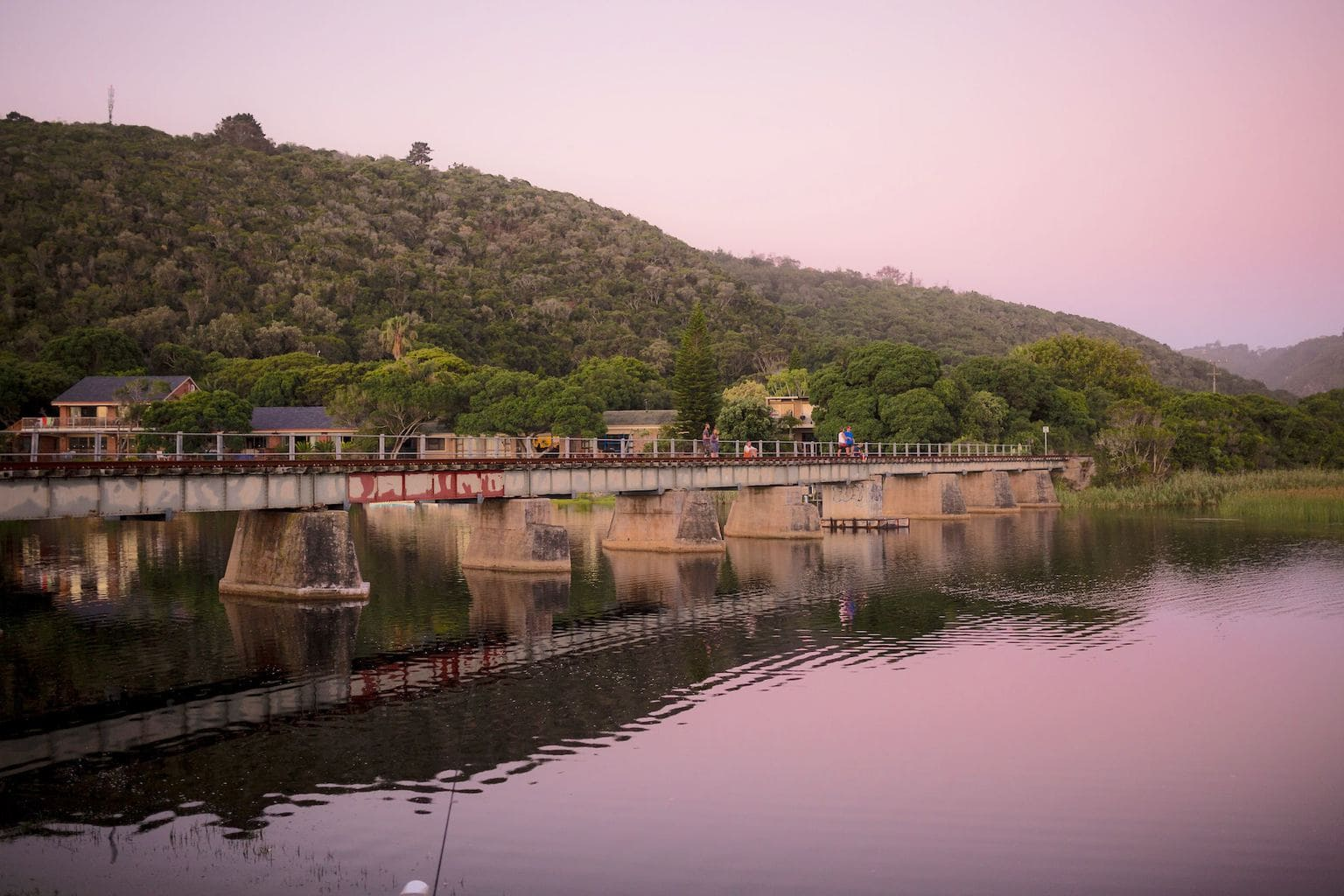 Fishing of the bridge in the Touwsriver