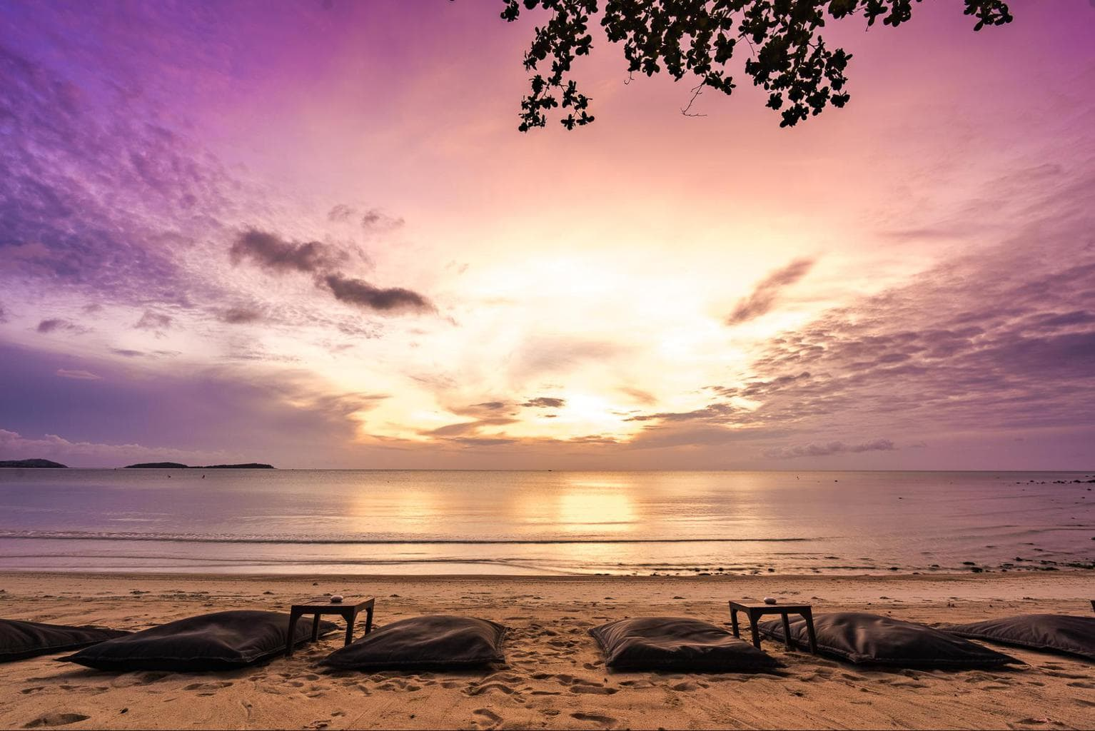 Spectacular sunsets on Chaweng Noi