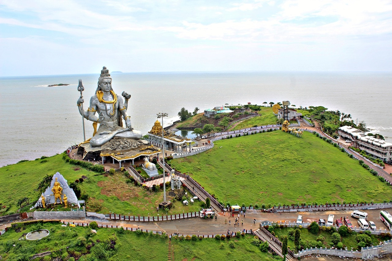 The amazing view of Shiva of Murudeshwara