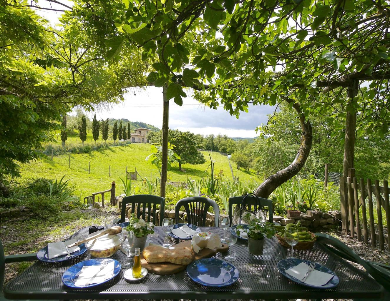 The perfect setting for an Italian lunch and Lambrusco aperitif
