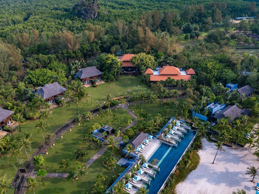 Four Seasons Resort Langkawi grounds