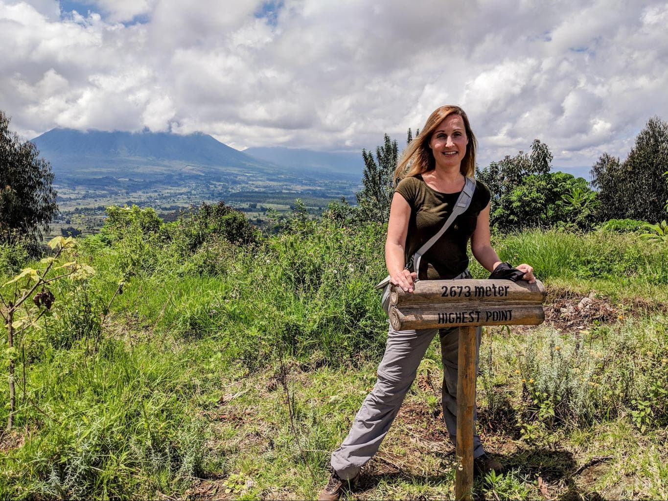 The hiking trail above Bisate Lodge