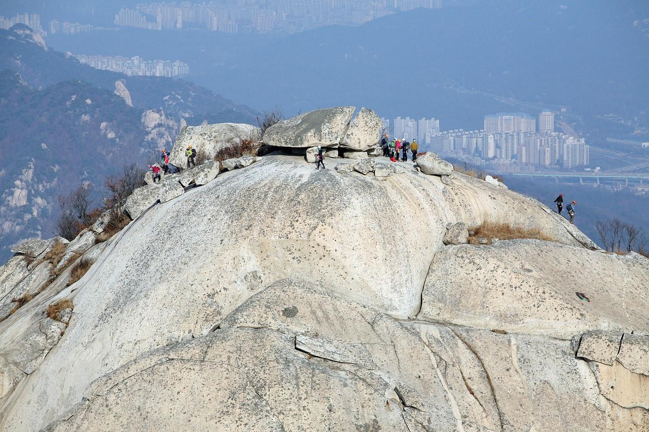 Climbing up Bukhansan