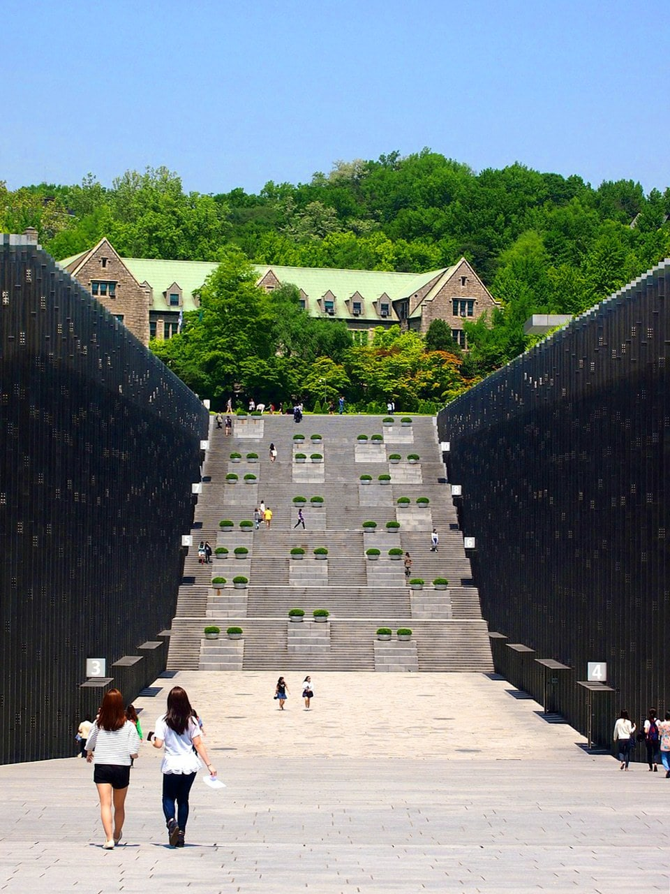 The amazing glass structure ECC at Ewha