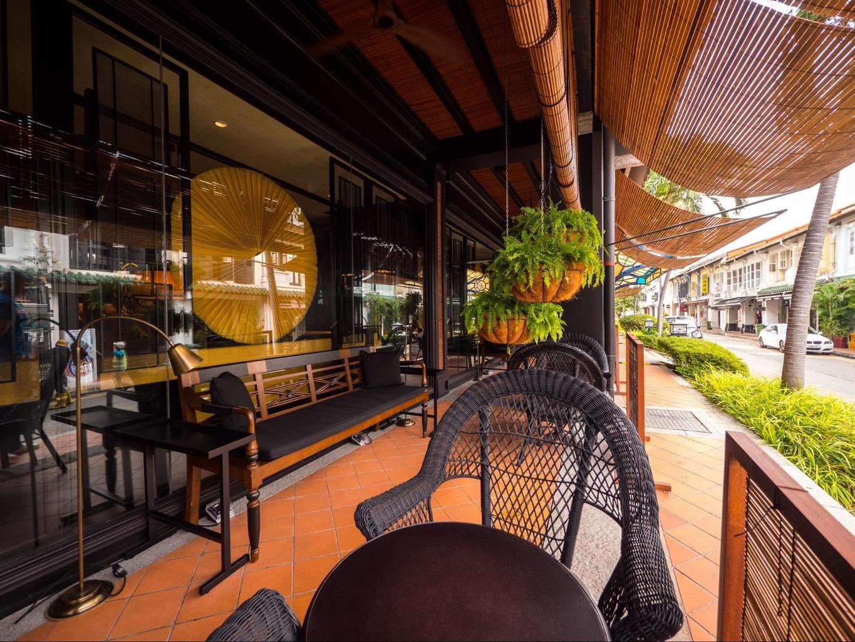 The outdoor verandah at the Six Senses Duxton