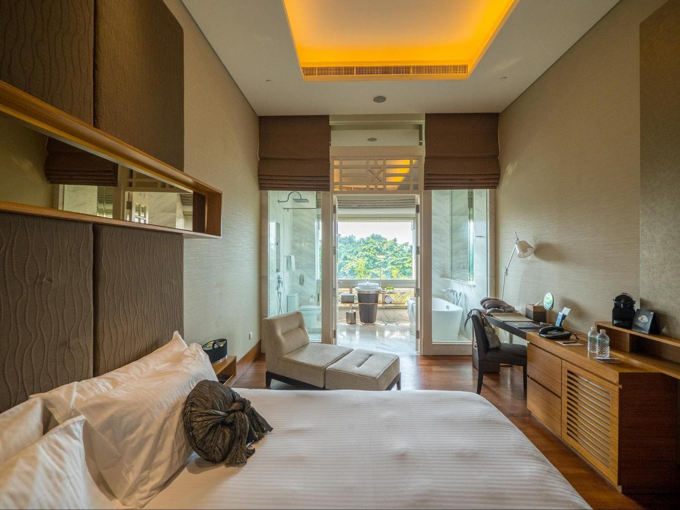 The deluxe room at Hotel Fort Canning view
