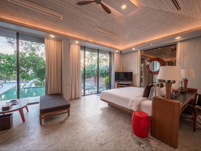 The master bedroom in the 5-bedroom beach villa Phuket