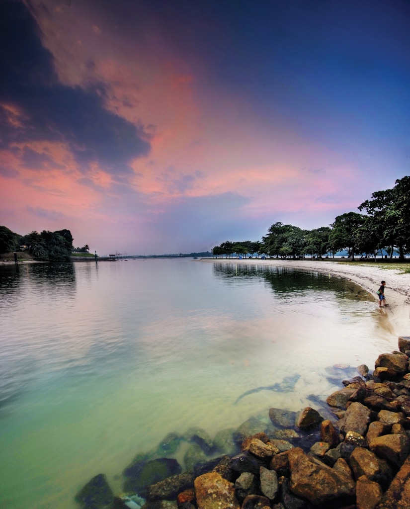 Free walking tours in Singapore Changi Beach