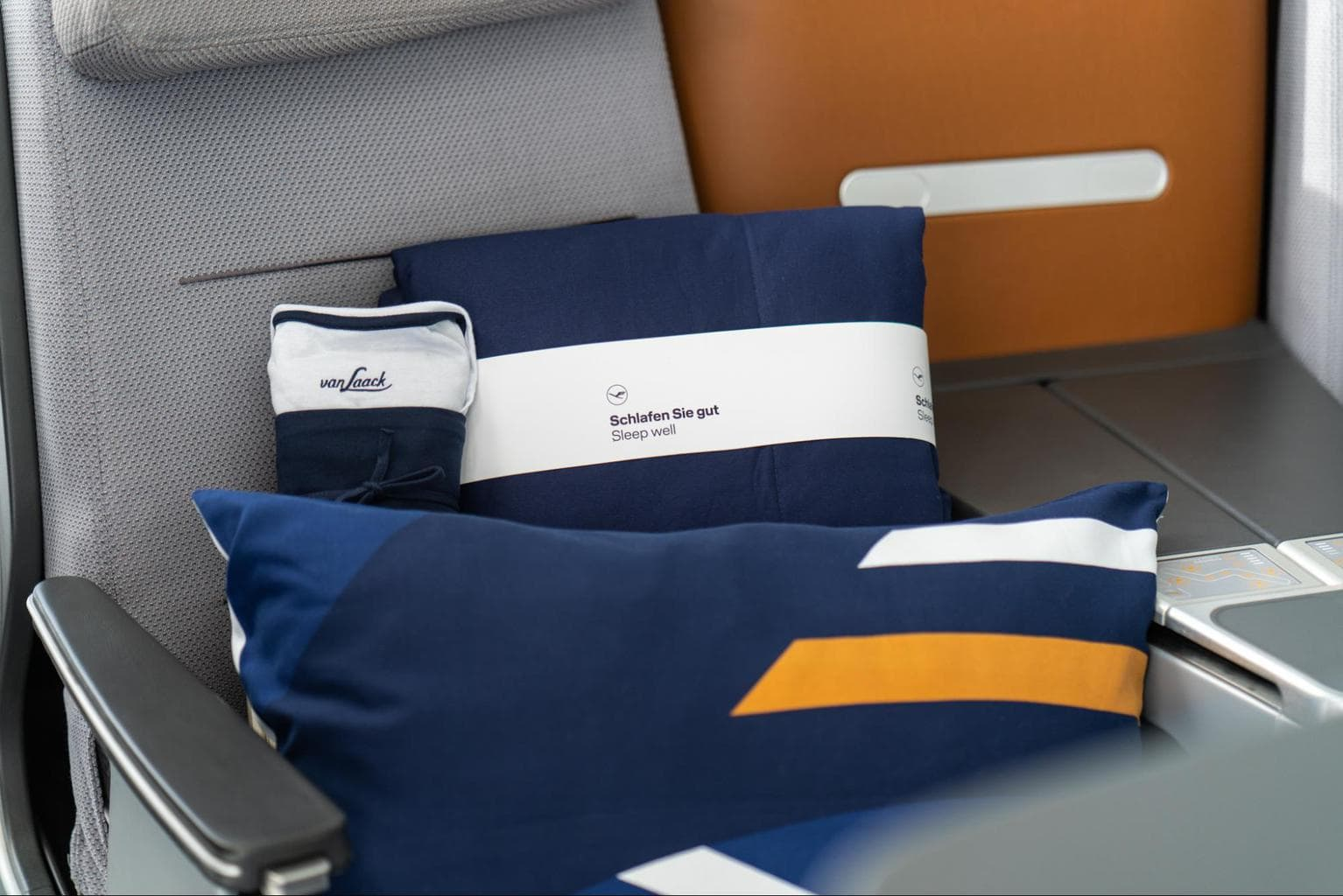 Lufthansa Dream Collection pillow, duvet and pyjamas