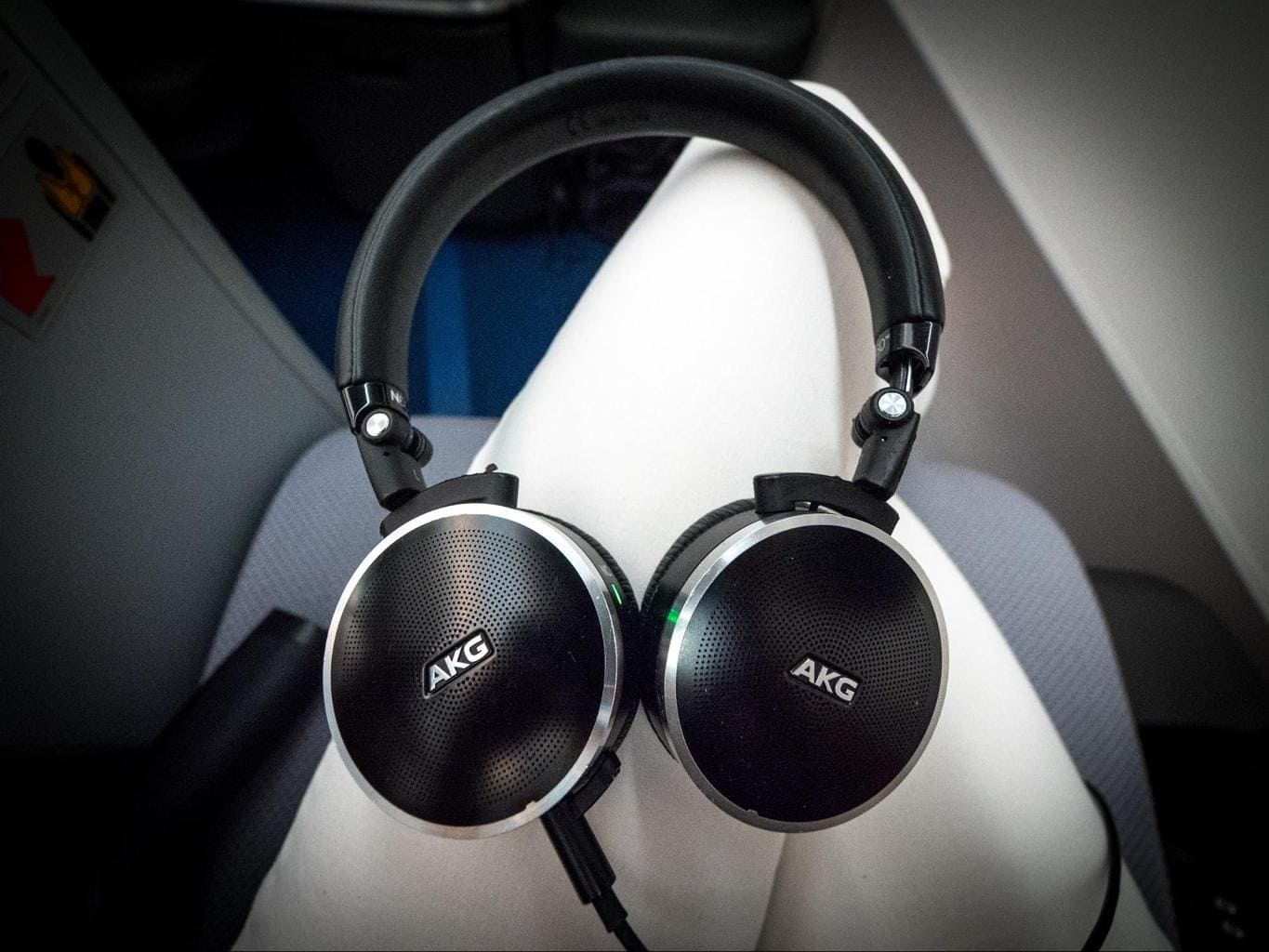 The noise cancelling headsets