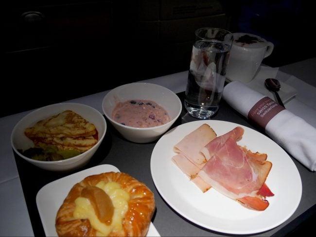 Breakfast on Swiss Business Class 01