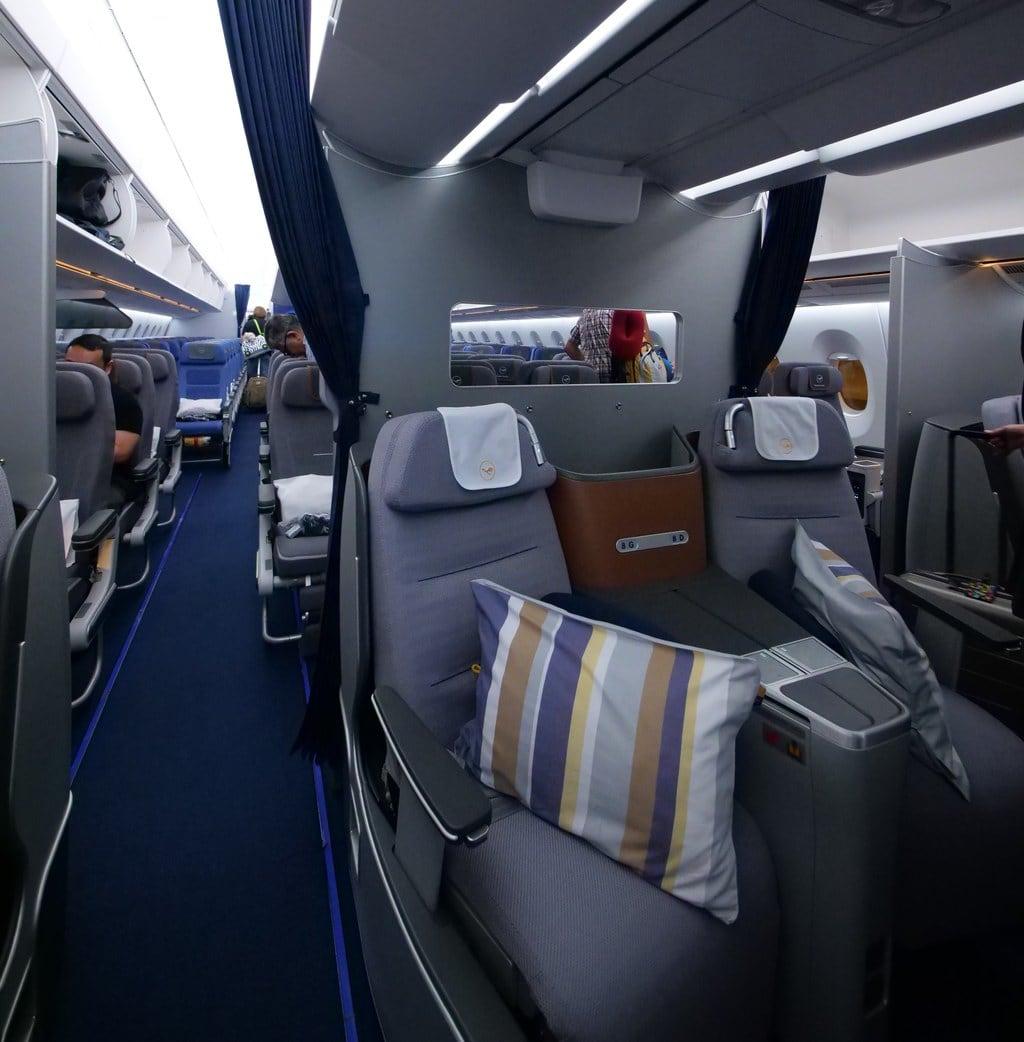 """""""Lufthansa Business Class seat'"""