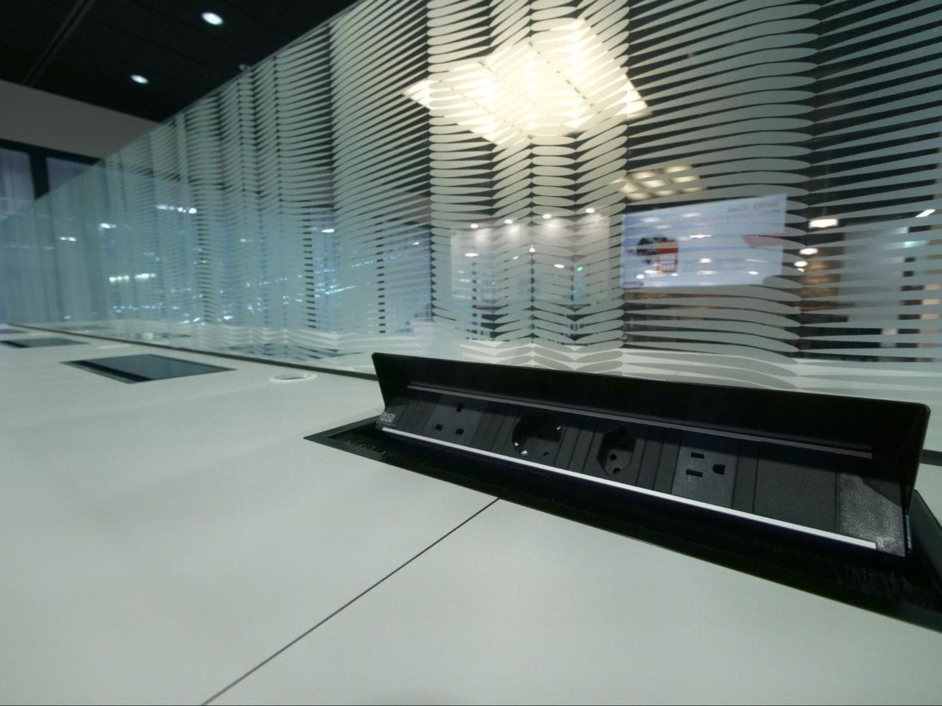 Sockets and working space at Swiss arrival lounge in Zurich