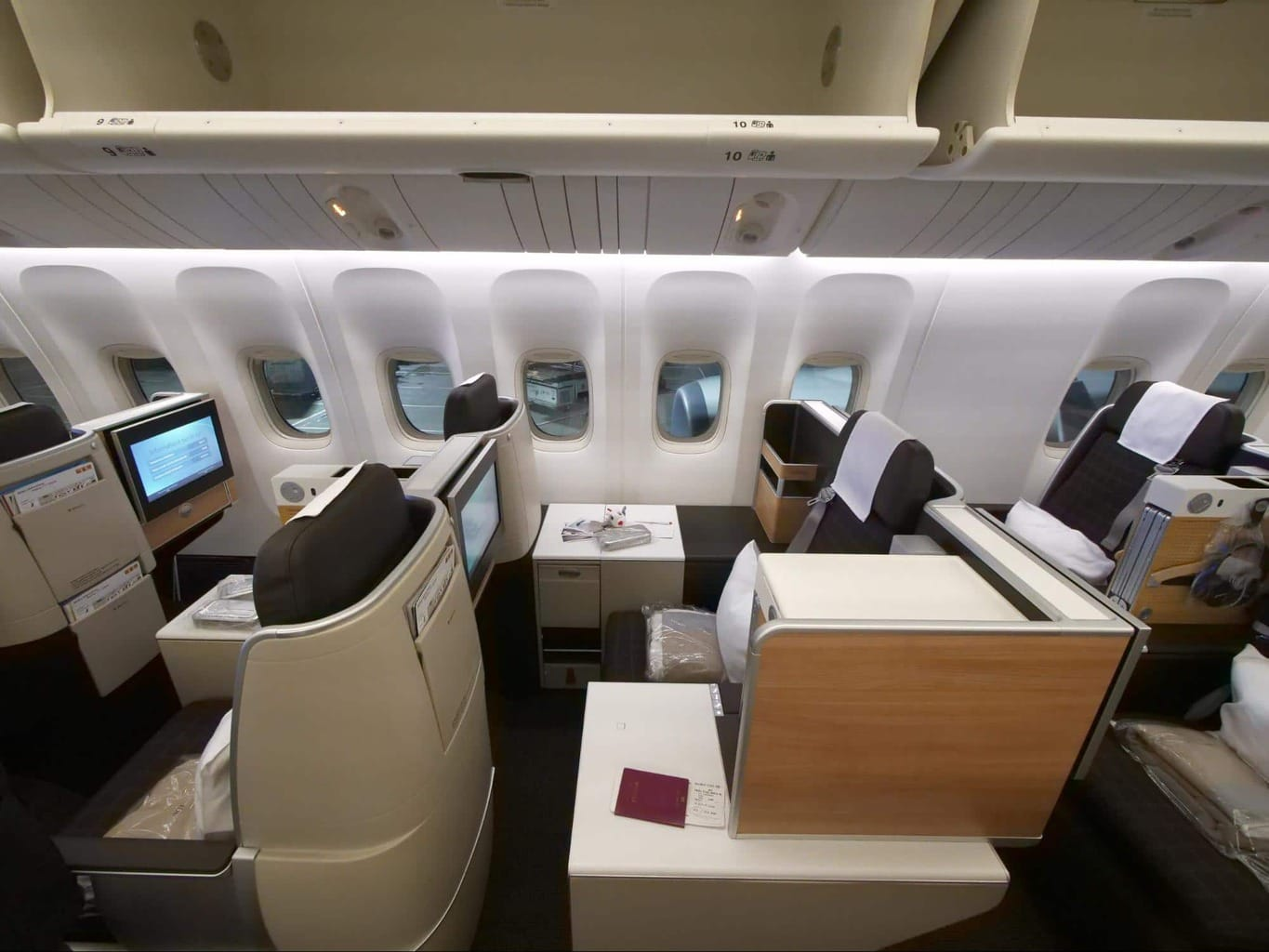 Staggered Business Class seats on Swiss