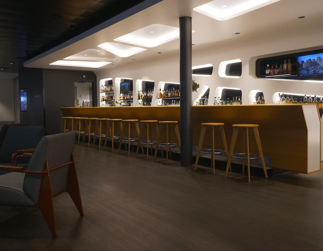 Whisky bar inside the Senator Lounge at Zurich Airport