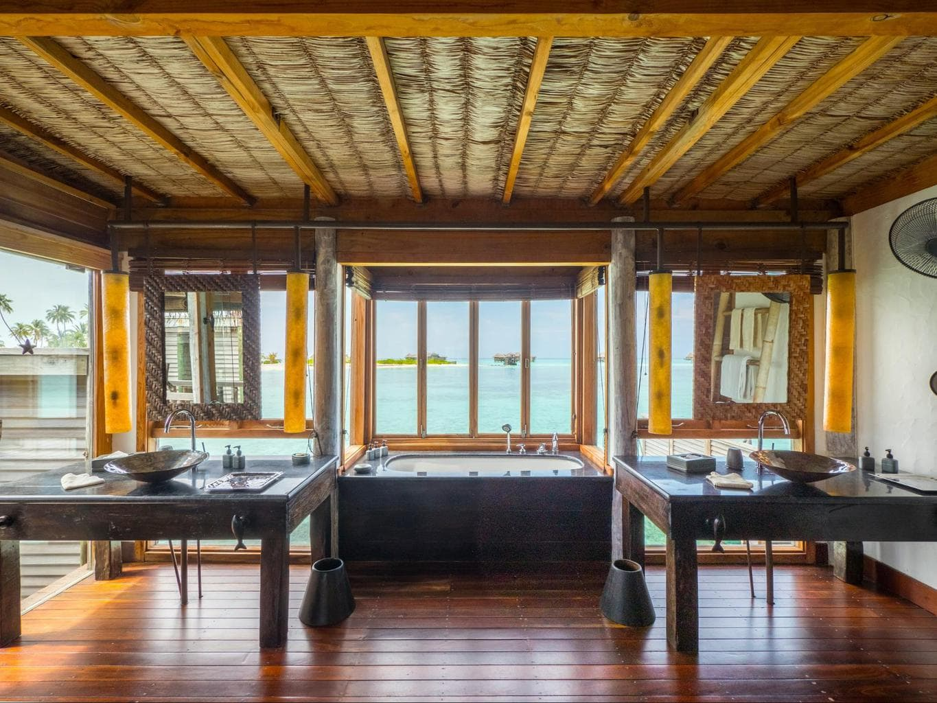 Bathroom at Gili Lankanfushi 01