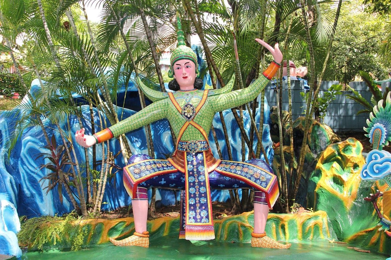 Free walking tours in Singapore Haw Par Villa Sculpture