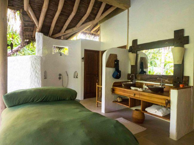 Bathroom in the villas at Soneva Fushi 01