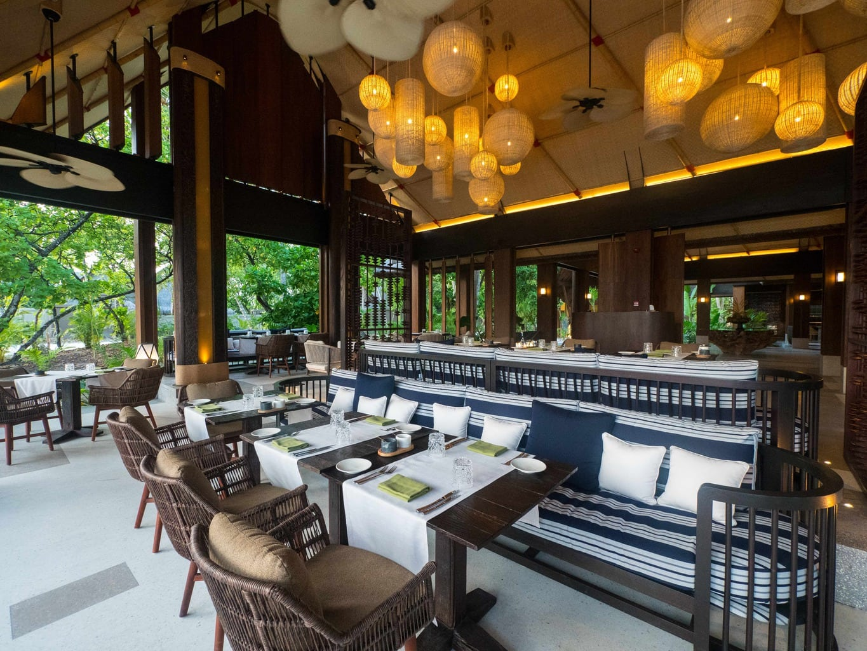 Vandhoo Restaurant at Joali Maldives