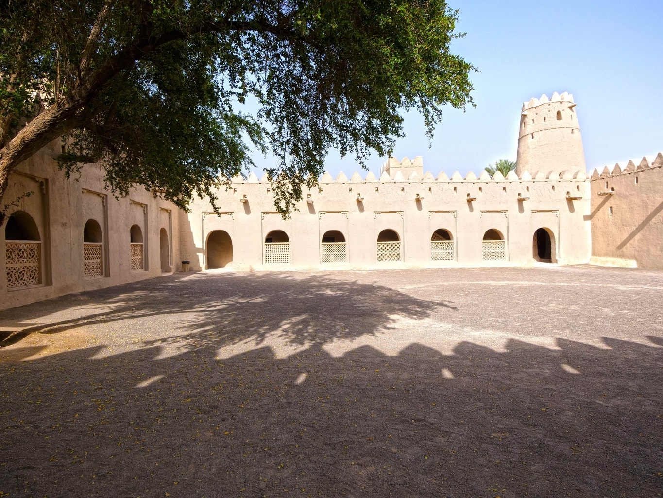 Al Jahili Fort interior
