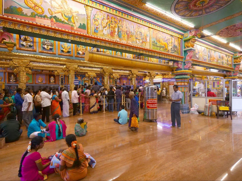 Arulmigu Manakula Vinayagar Temple interior