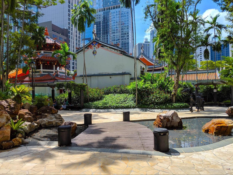Free walking tour of Chinatown Singapore