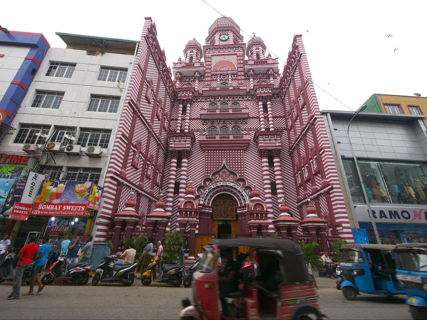 Red Mosque in Colombo