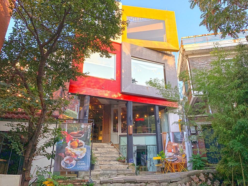 Cutesy cafes in Samcheongdong