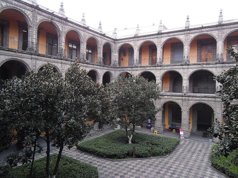 Former College of San Ildefonso. Wikipedia Patricia Alzuarte Díaz (CC BY-SA 3.0)