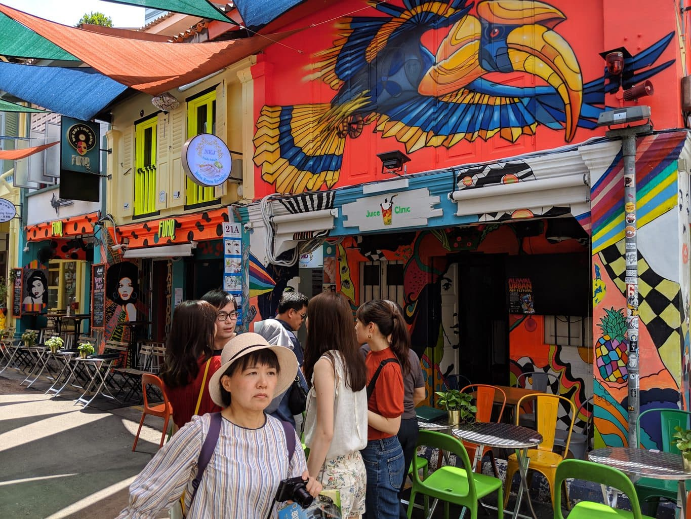 Free walking tours in Singapore Colorful streets of Kampong Glam