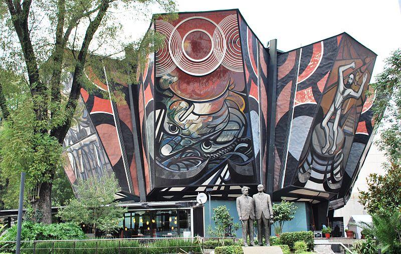 Polyforum Cultural Siqueiros. Wikipedia AlejandroLinaresGarcia (CC BY-SA 3.0)