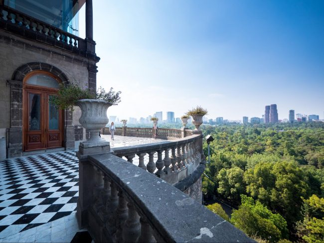 The murals and view from Chapultepec Castle 02