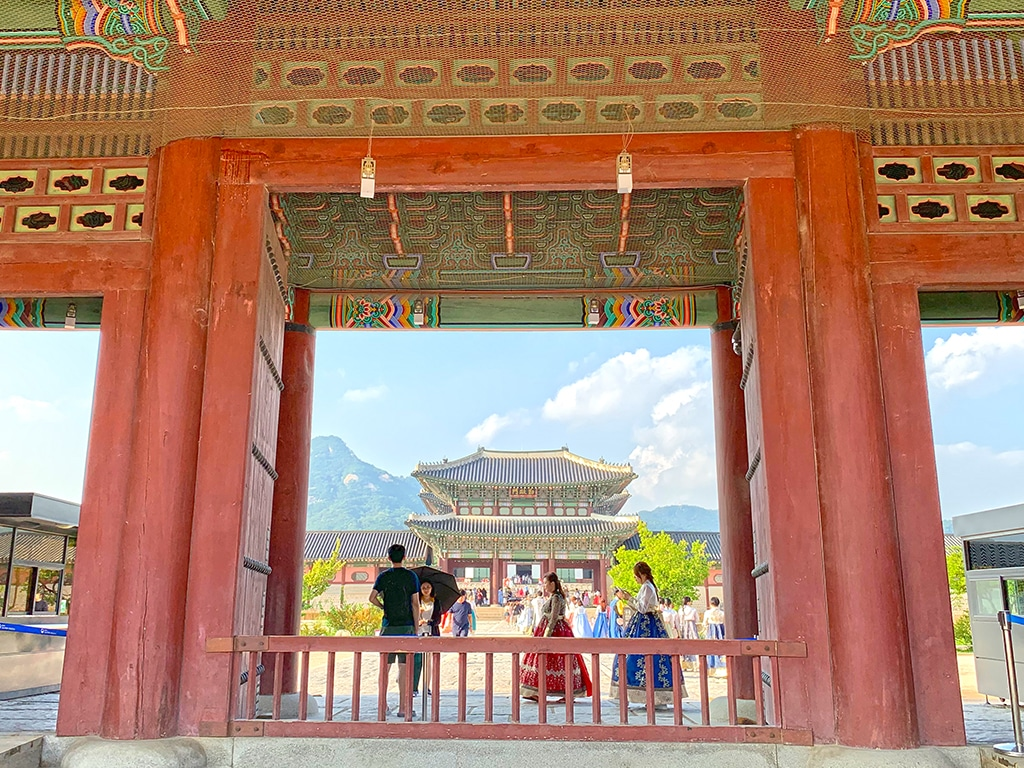 Tourist entrance to Gyeongbokgung